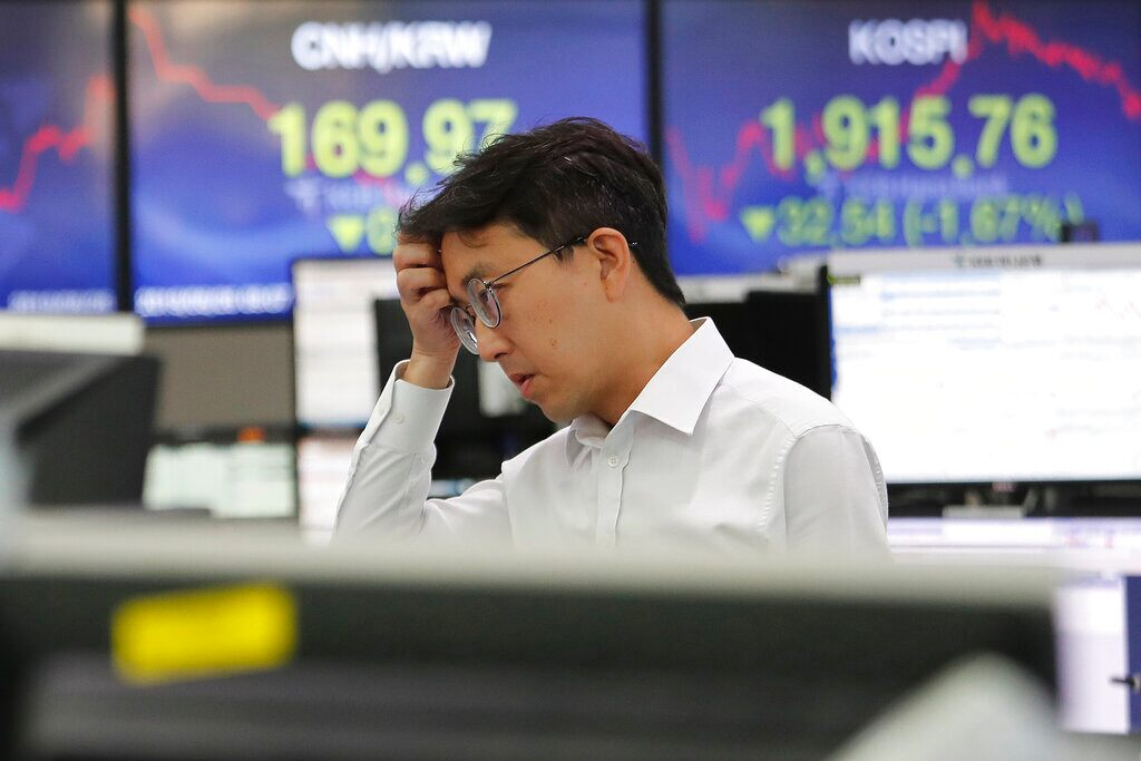 China announces it seeks 'calm' end to trade war, as markets tank and currency hits 11-year flatline   Fox News